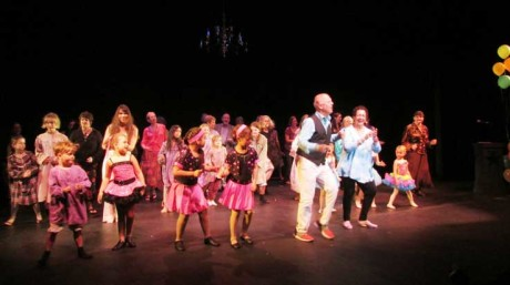 Dancing Happy on the stage at SJCT - Jan Bollwinkel-Smith photo