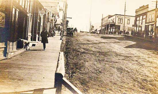 Spring Street 1917 - Contributed Photo