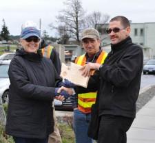 Mayor Carrie Lacher receives award - Matt Pranger photo