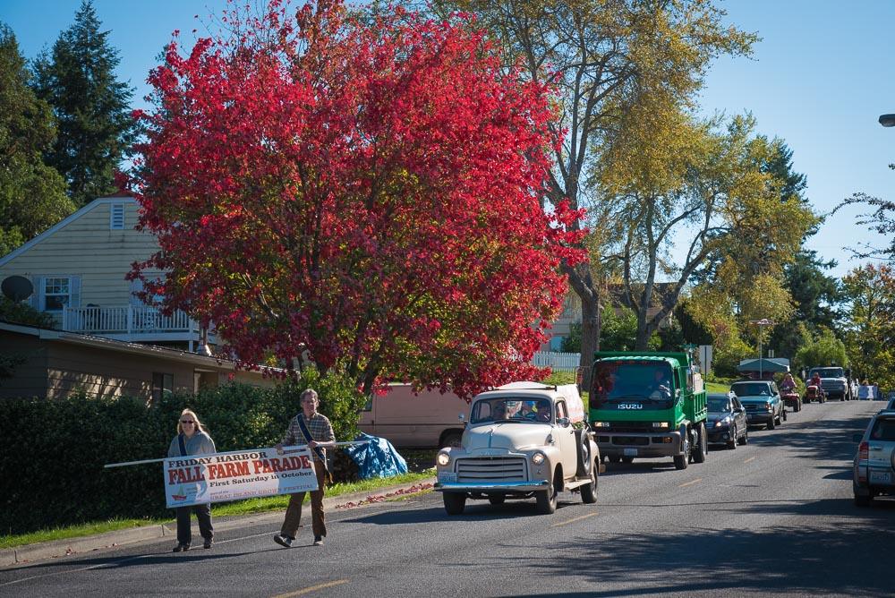 Fall Farm Parade on Argyle Avenue - Tim Dustrude photo