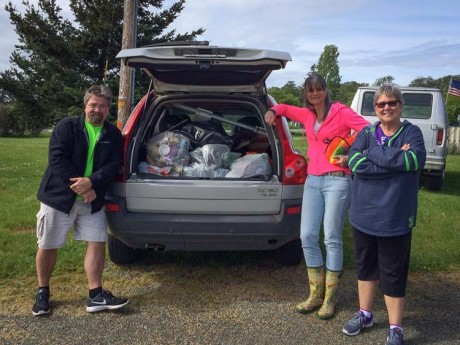 Islanders Bank clean up team - Contributed photo