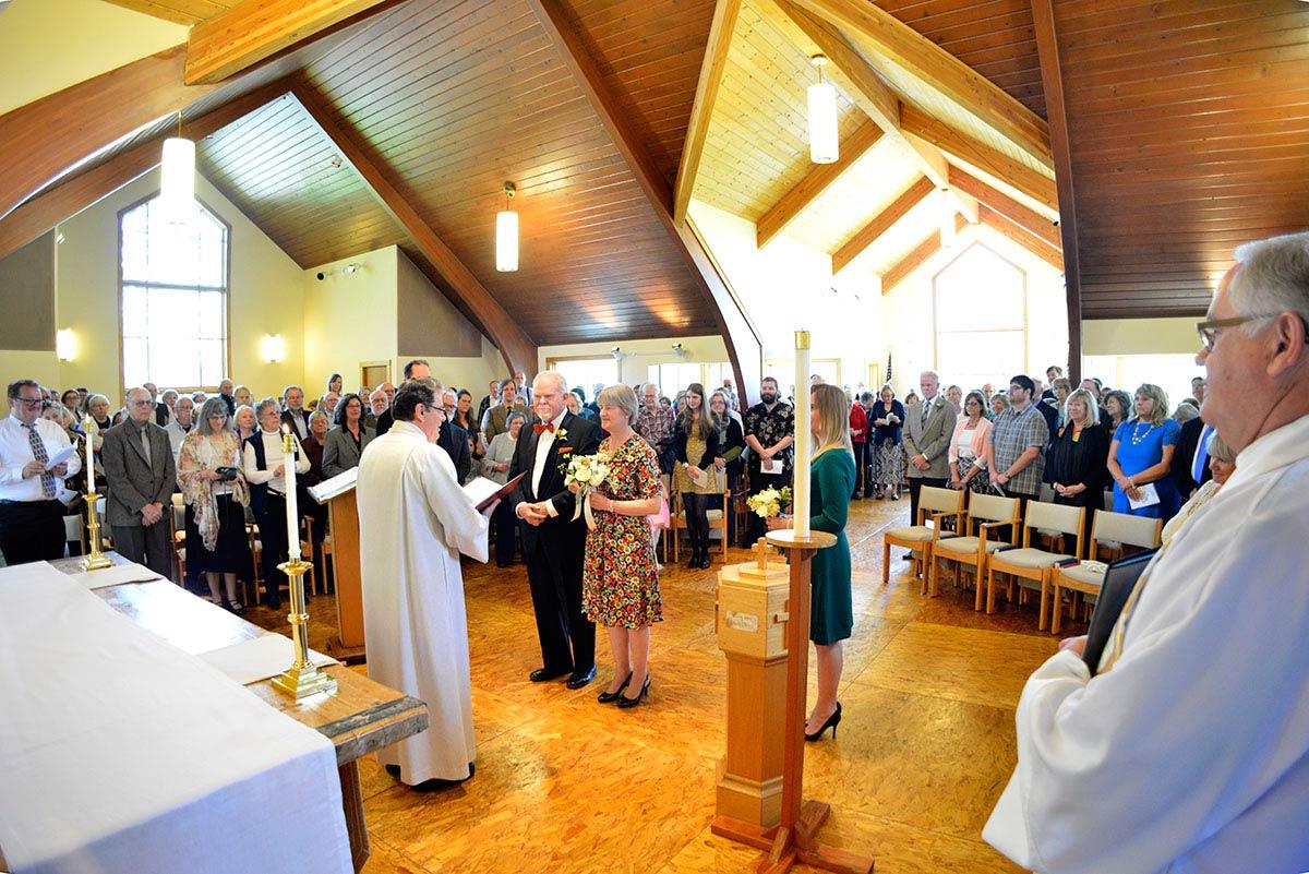 Dave Eden and Beth Purdum get married - John Miller photo