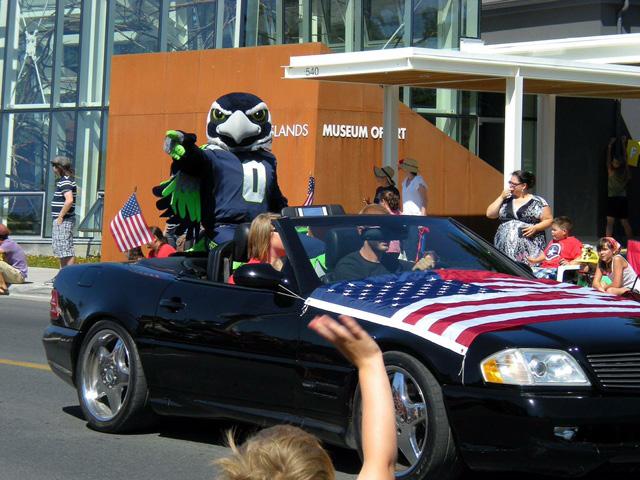 """Blitz"" the Seahawks mascot - Mark Gardner photo"