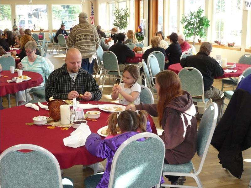 community-thanksgiving-dinner